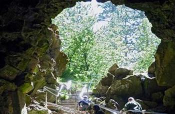 lava-river-cave